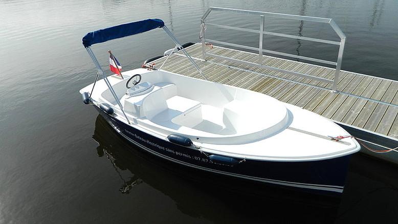 Eco plaisance du delta nos bateaux - Location bateau sans permis port leucate ...